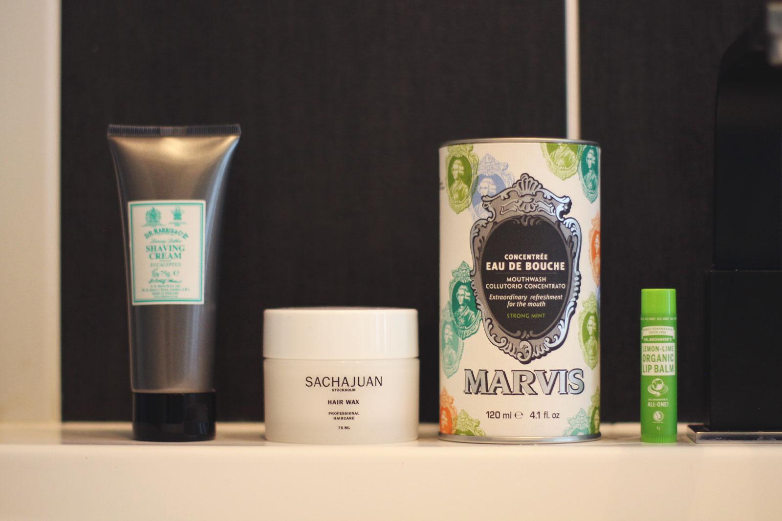 Produits cosm tiques masculins avec horace for Salle de bain homme