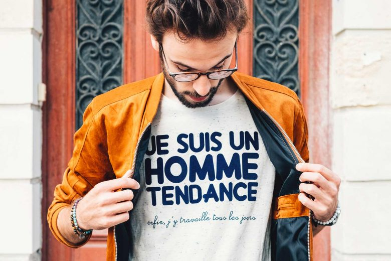 L'Homme Tendance a son TShirt