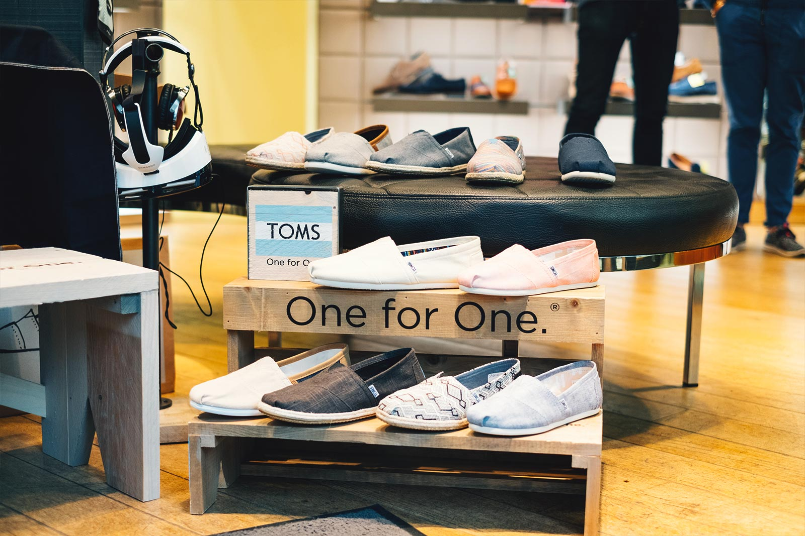 Toms Chaussures one for one